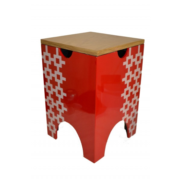 Lacquer stool - red